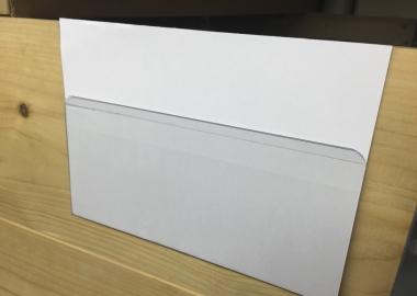 Liggande korthållare,etiketthållare för pallkrage (KPB)