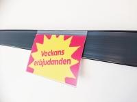 Hylltalare (SDG76-0210) fästes i etiketthållare